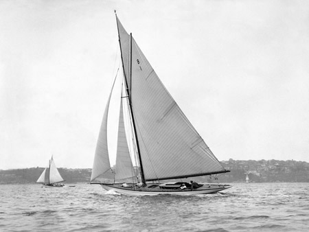 ANONYMOUS - Victorian sloop on Sydney Harbour, 1930 - 3AP3209